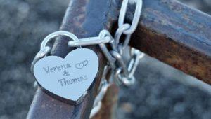 main chaîne amour cœur printemps symbole métal engagement bleu cadenas bijoux argent syndicat Accessoires de mode